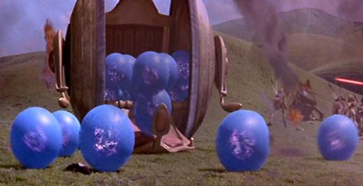 Die von Jar Jar 'freigesetzten' Boomas rollen den Hang hinab