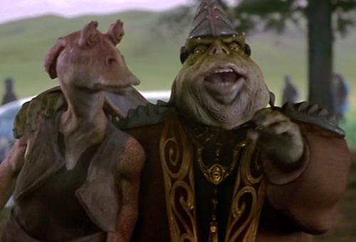 Boss Nass (rechts) macht Jar Jar Binks zum General