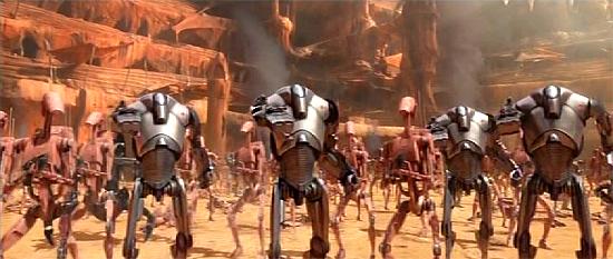 Einheiten der Droidenarmee in der Hinrichtungsarena auf Geonosis.