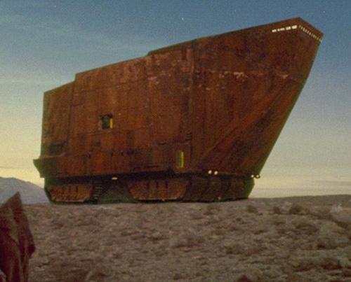 Ein Sandcrawler auf Tatooine.