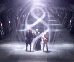 Palpatine, Obi-Wan und Anakin sind von einem Strahlenschild eingeschlossen