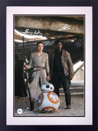 Offizielles Autogramm von Daisy Ridley und John Boyega